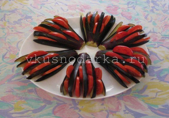 Баклажаны запеченные в духовке с помидором и сыром