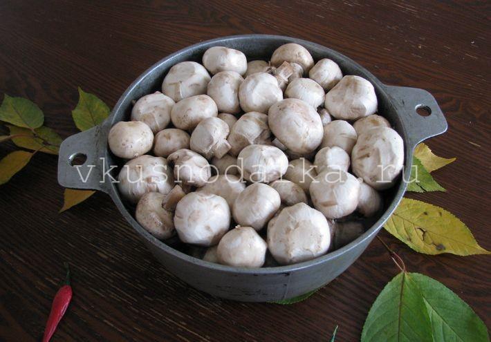 Маринованные шампиньоны – праздничные рецепты