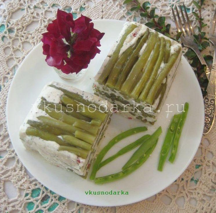 Овощной террин с творогом и спаржевой фасолью