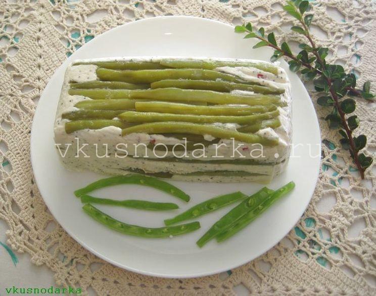 Перекладываем компоненты для овощного террина несколько раз