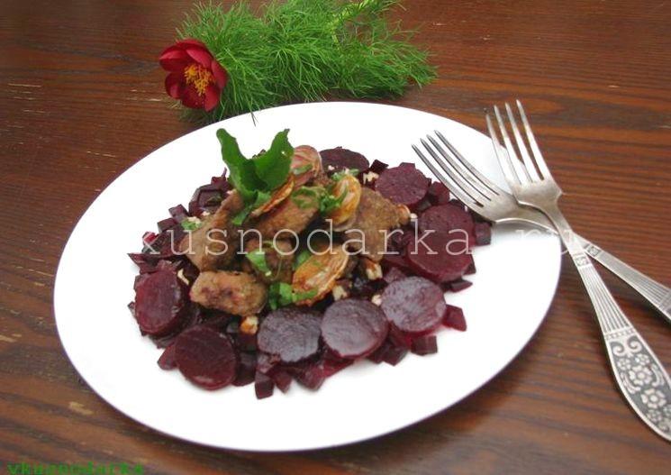 Приготовление салата с печенкой