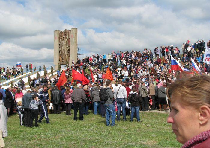 Крым. Празднование 9 Мая в Армянске в 1015 году