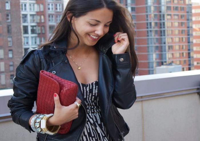 Аксессуары к модной одежде