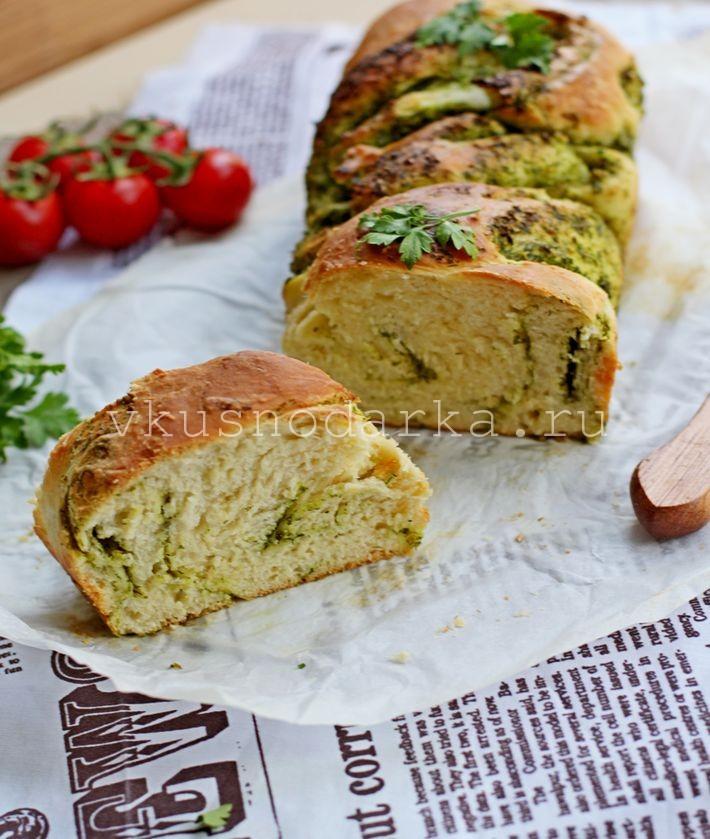 Итальянский хлеб - с соусом песто