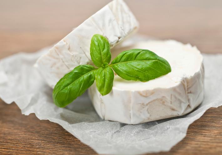 Базовый рецепт: готовим домашний сыр из кефира