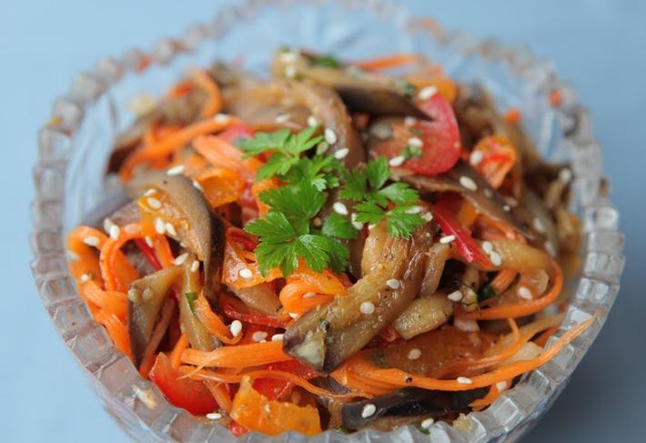 Салат из корейской моркови с баклажанами