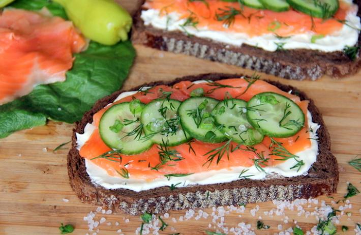 Вкусные бутерброды к праздничному столу