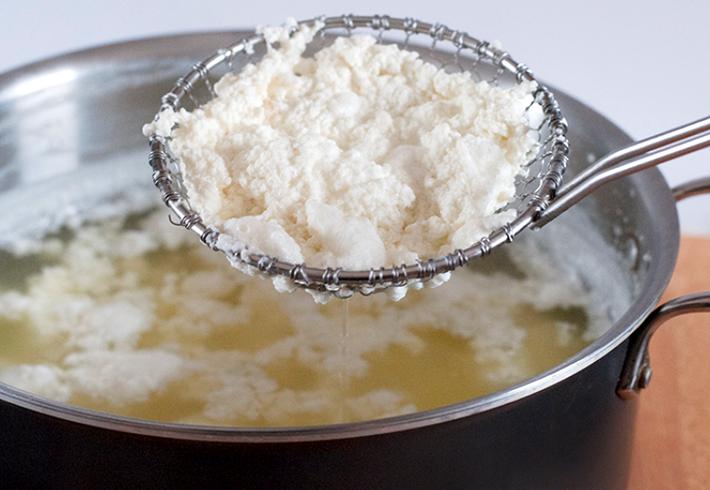 Как сделать домашний творог из молока