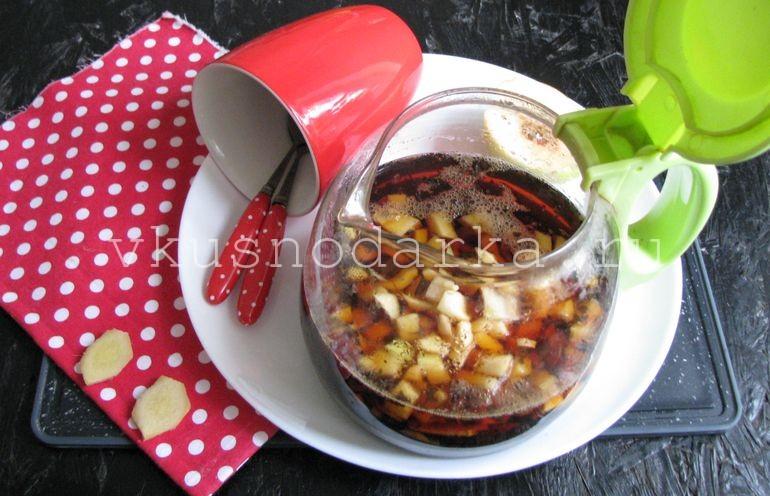 Айву и имбирь подготовить и мелко нарезать для чая из айвы