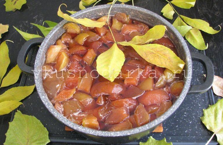 Варенье из айвы и яблок готово