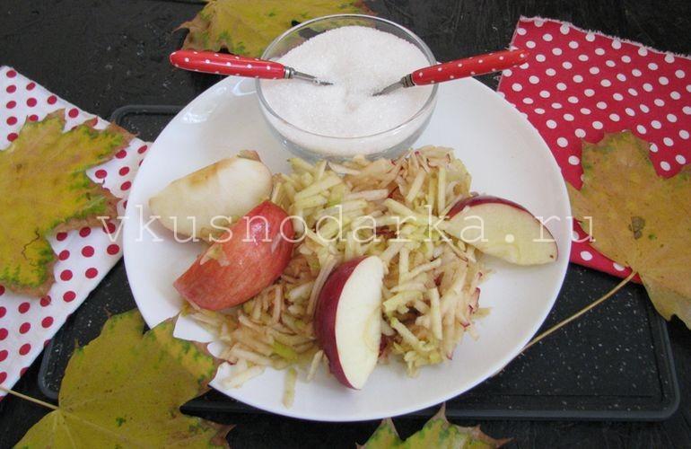 Яблоки натереть на терке для яблочного варенья